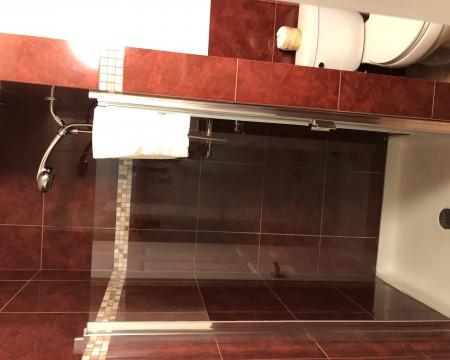 Lombard Plaza Motel - Guest Bathroom